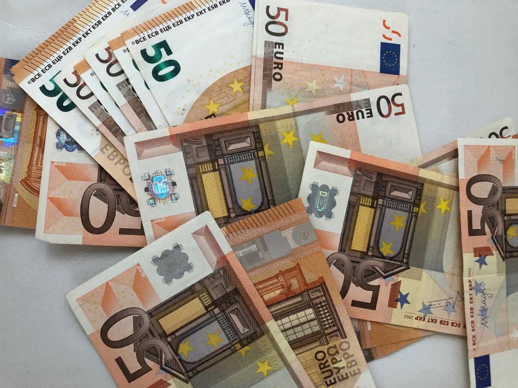ahorrar dinero, emocionalmente inteligente, secretos de abundancia económica